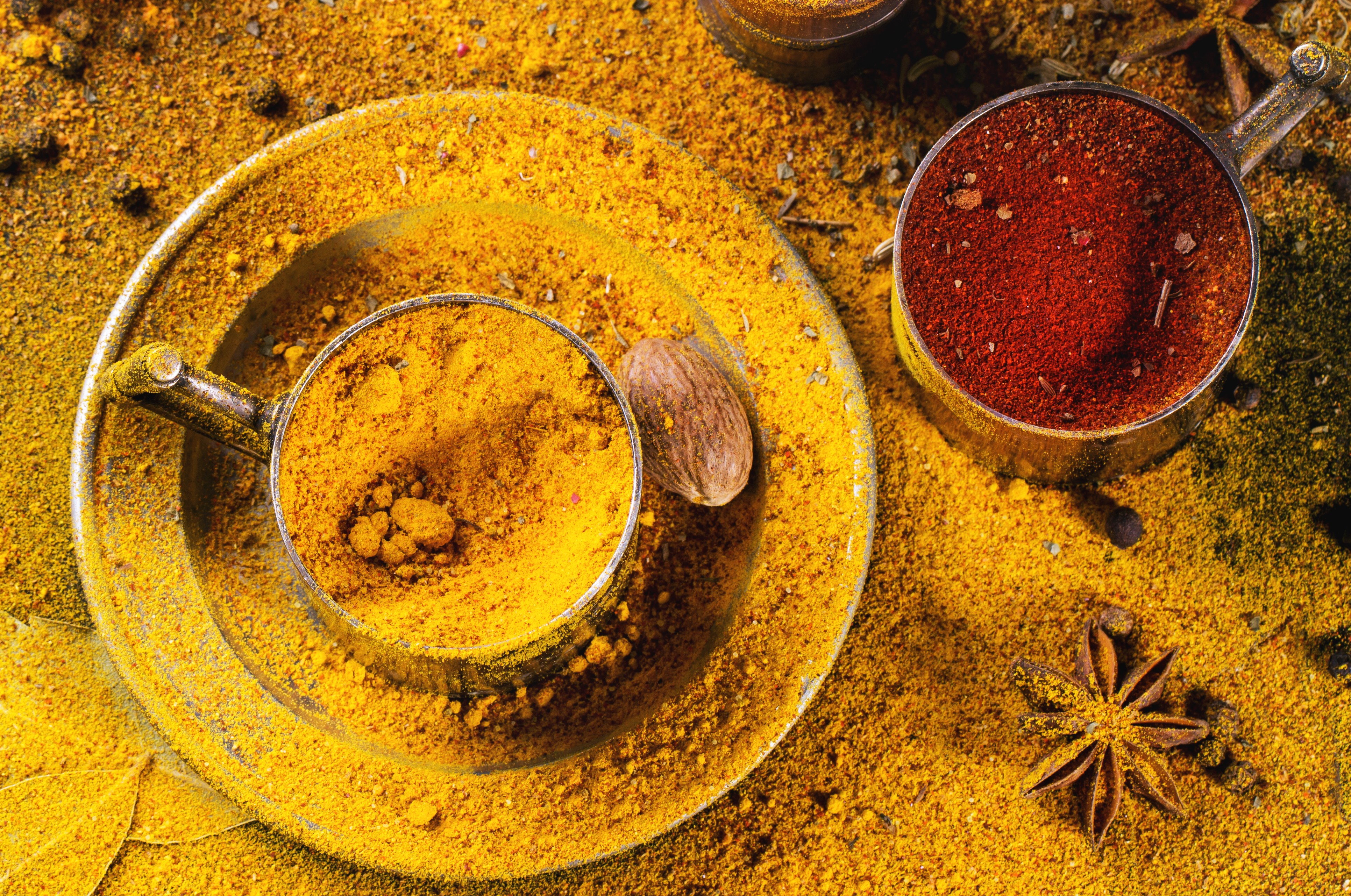 Turmeric Essential Oil: Mind and Body Benefits